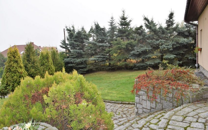 DOM w Sobótce-zielony widok z okna gwarantowany