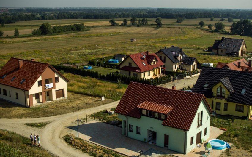 Urokliwe działki budowlane z widokiem na masyw Ślęży – osiedle Pana Tadusza.