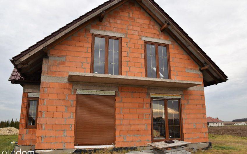 Dom w mandarynkach – widok na magiczną Górę Ślęża