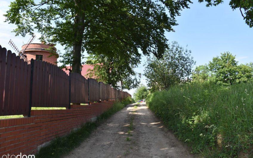 Działka z widokiem na masyw Ślęży i Góry Sowie.