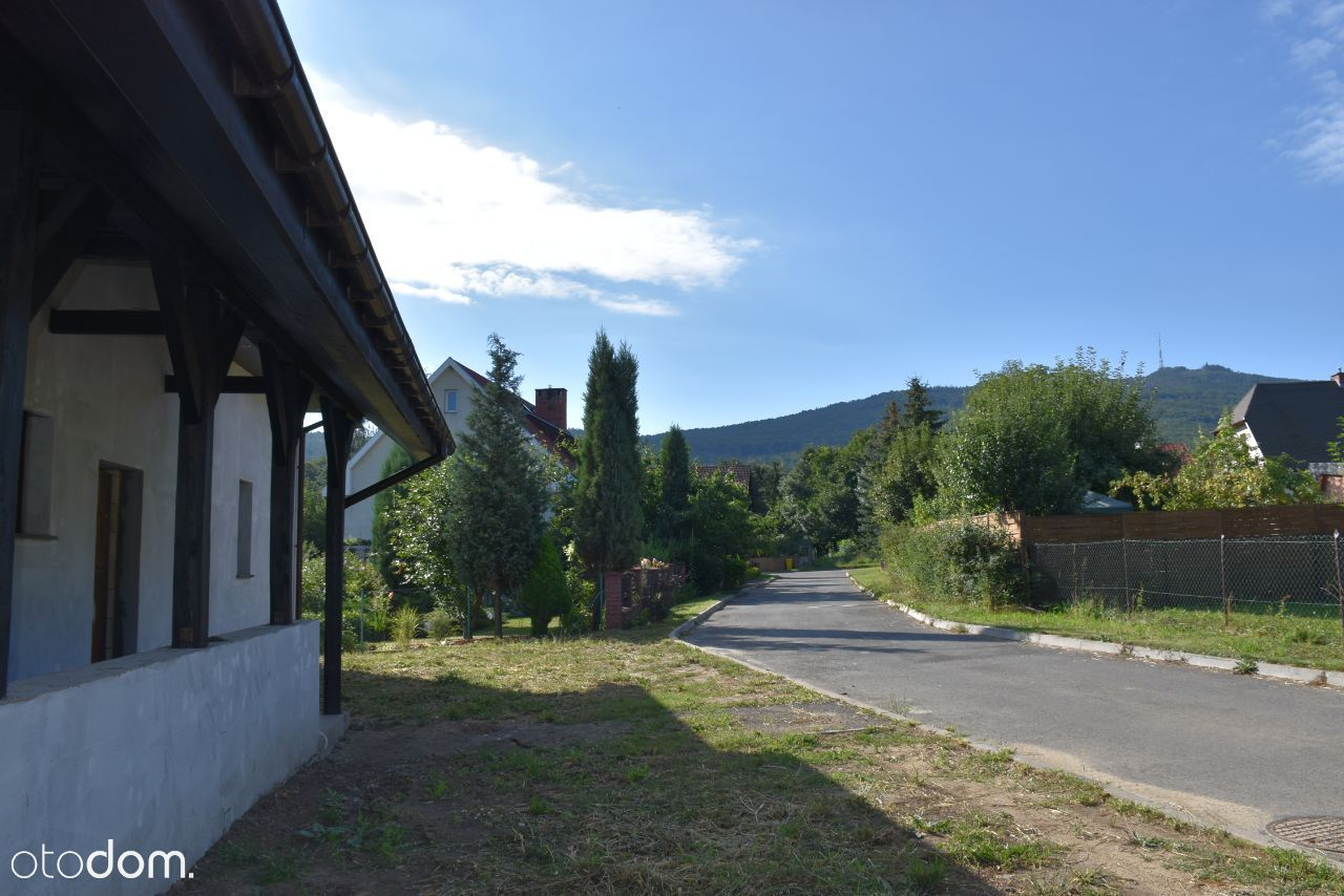 Góra Ślęża, zielony widok z okna- Sobótka