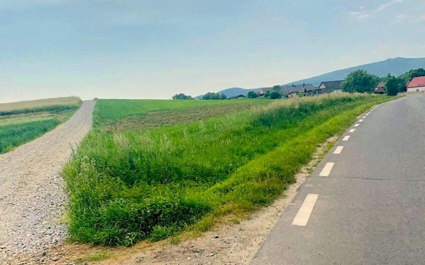 Działka na wzgórzu z pięknym widokiem na Ślężę i szybkim dojazdem do Wrocławia- GARNCARSKO